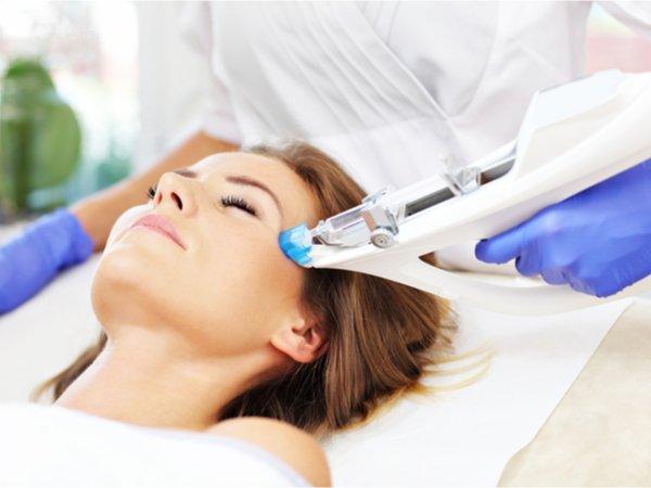 Gesichtsbehandlung mit Mesotherapie