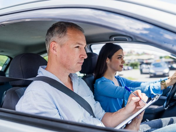 Fahrlektionen für die Autoprüfung
