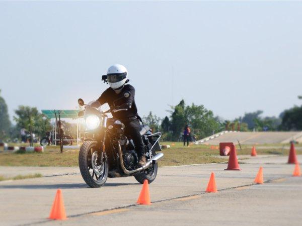 2 Motorrad Lektionen