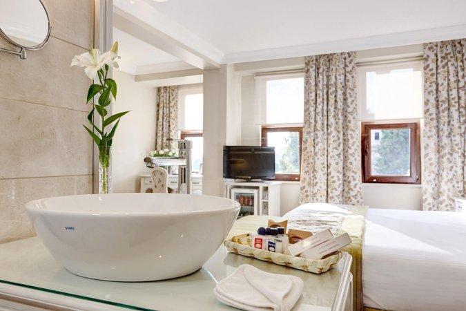 3 Tage für zwei im 4 Sterne Arena Hotel Istanbul die Stadt auf zwei Kontinenten