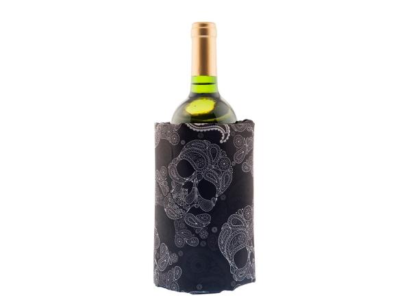 Wine accessories skulls