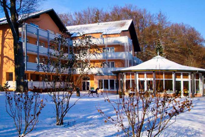 4 Tage erholsamer Kurzurlaub zu zweit im PTI Hotel Eichwald in Bad Wörishofen erleben - Winter Saison