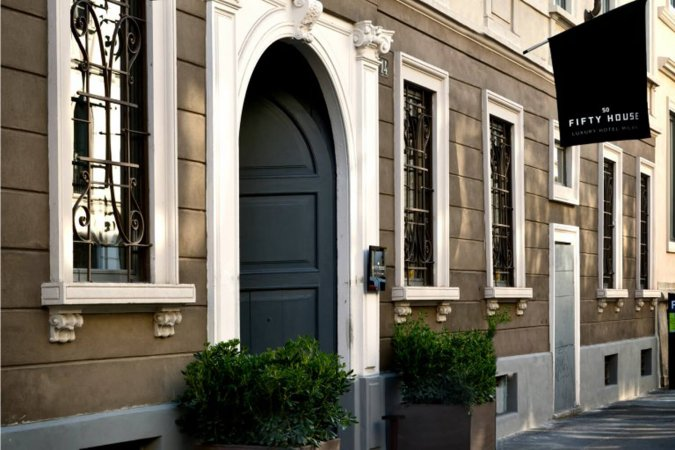 Luxus Kurzurlaub für zwei im 5* Hotel Fifty House in Mailand erleben