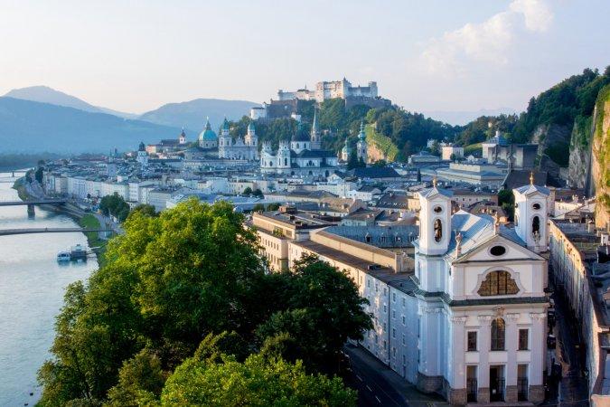 Österreich Kurzurlaub zu zweit in Salzburg im Wolfgang's managed by a&o