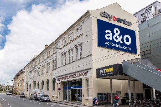 3 Tage Kurzurlaub zu zweit in Salzburg im a&o Salzburg Hauptbahnhof