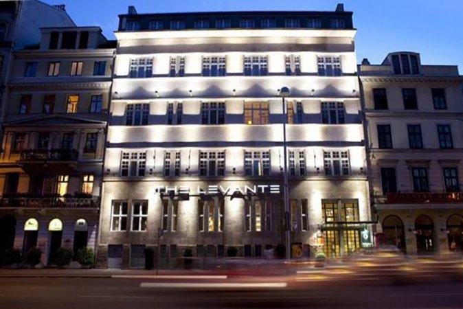 Luxus Kurzurlaub für zwei im 5* Hotel The Levante Parliament in Wien erleben