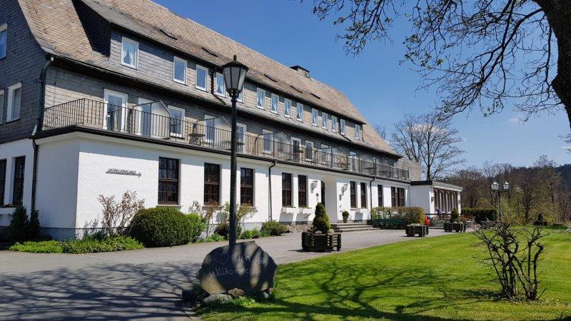 Wellness im 4* Berghotel Hoher Knochen in Schmallenberg im Sauerland