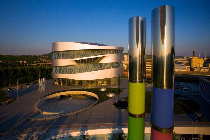 3 Tage im 4* Wyndham Stuttgart Airport Messe Hotel & 2 Tickets für das Mercedes-Benz Museum