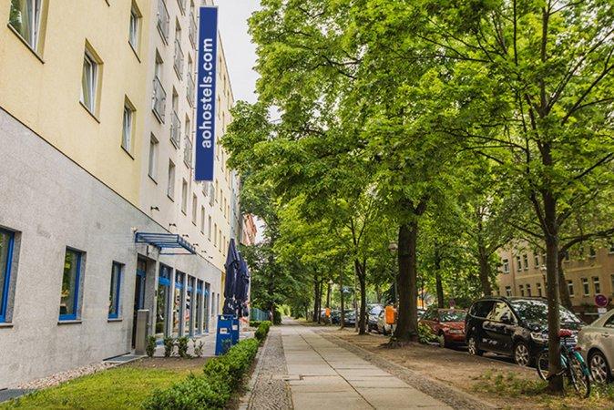 City Kurzurlaub zu zweit im a&o Berlin Hauptbahnhof & 2 Eintrittskarten für den Filmpark Babelsberg