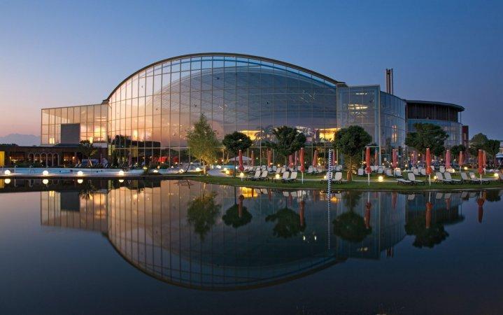 City Kurzurlaub zu zweit im a&o München Laim & 2 Tickets für Therme Erding