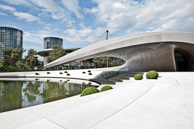 Urlaub für zwei in Wolfsburg im 4* Courtyard by Marriott & 2 Tageskarten für die Autostadt