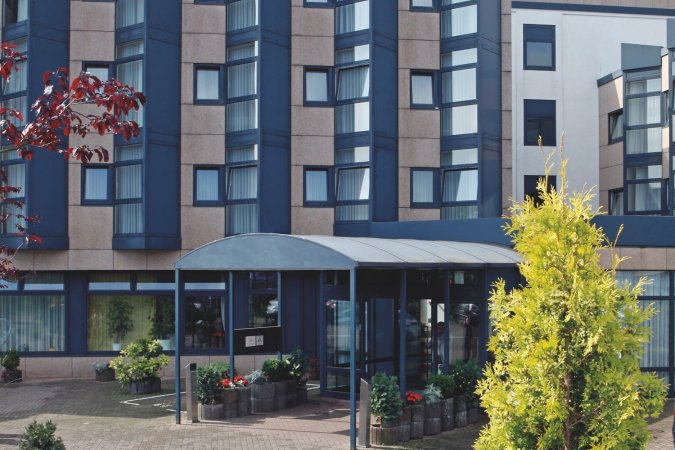 3 Tage 4* H+ Hotel Köln Brühl inkl. 2 Tageskarten für das AQUALAND Köln