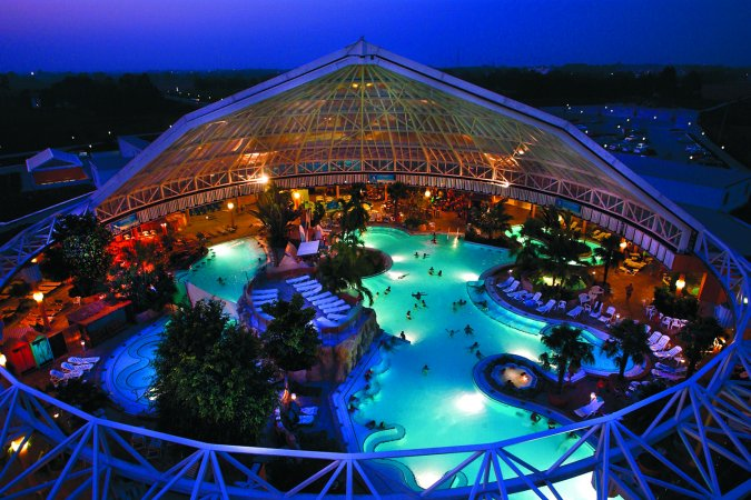 Kurzurlaub für 2 im 3* Hotel ibis München Messe & 2 Tageskarten für die Therme Erding