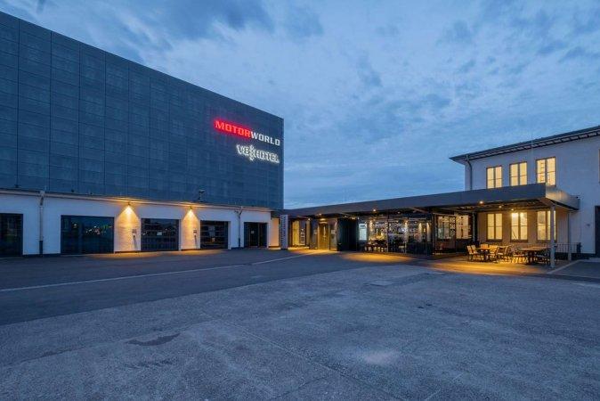 Kurzurlaub zu zweit in Köln im V8 Hotel Köln mit Direktanschluss zur Köln Motorworld