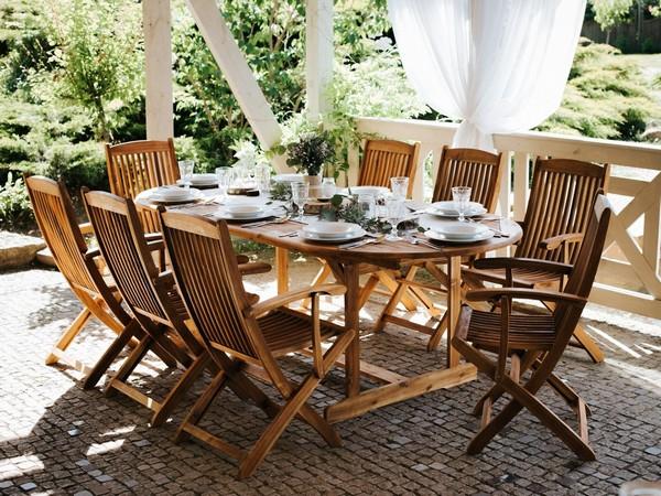 Gartentisch MAUI ausziehbar, heller Holzfarbton-CH