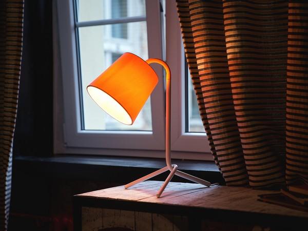 Tischlampe MOOKI, Weiss CH