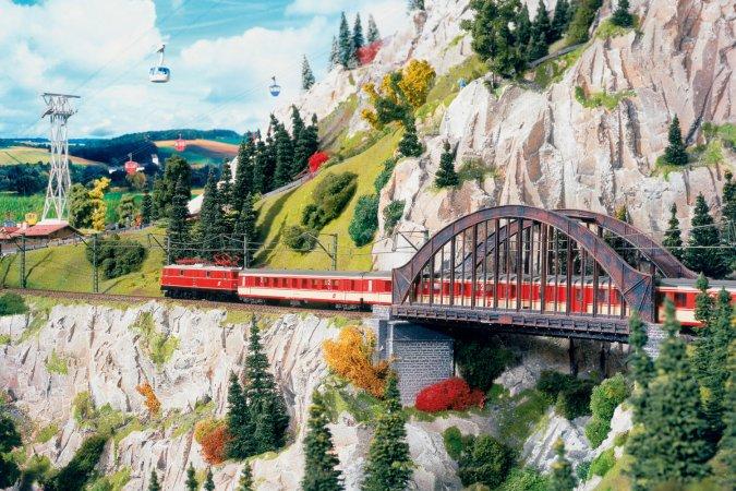 4 Tage Kurzurlaub zu zweit im a&o City & 2 Tickets für Miniatur Wunderland