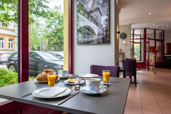Städtereisen Kurzurlaub zu zweit nach Nürnberg ins 3*S AZIMUT Hotel Nuremberg