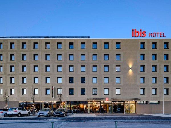 Kurzurlaub im ibis Landshut City in Niederbayern & 2 Tageskarten für die Therme Erding